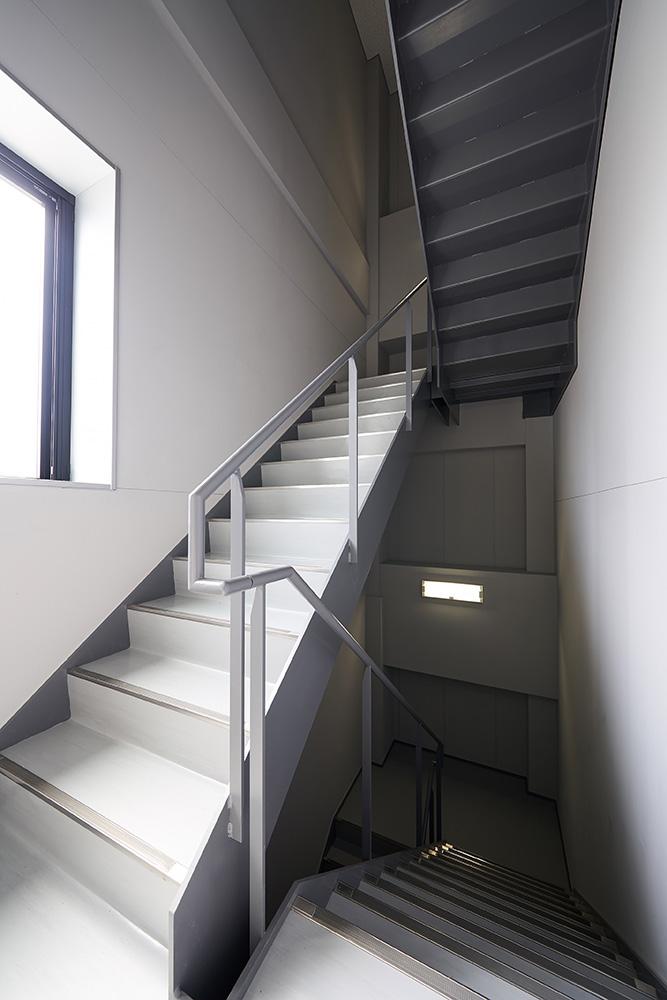 3F-階段室