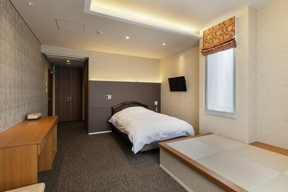2階 病室11(E)