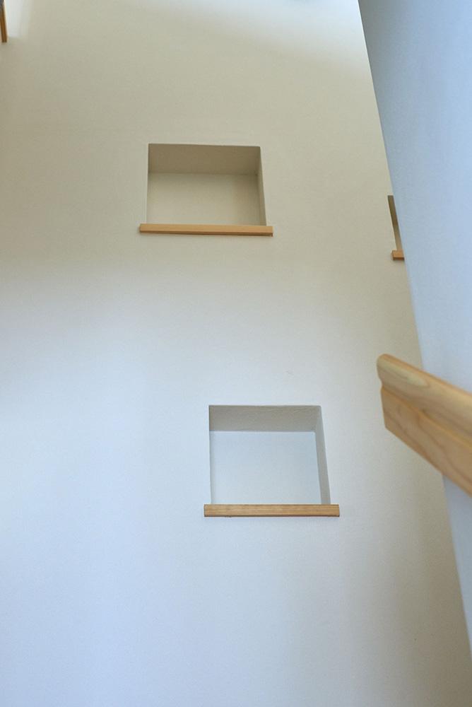 階段室飾り棚